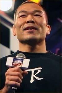 Цуйоши Косака (Tsuyoshi Kosaka)